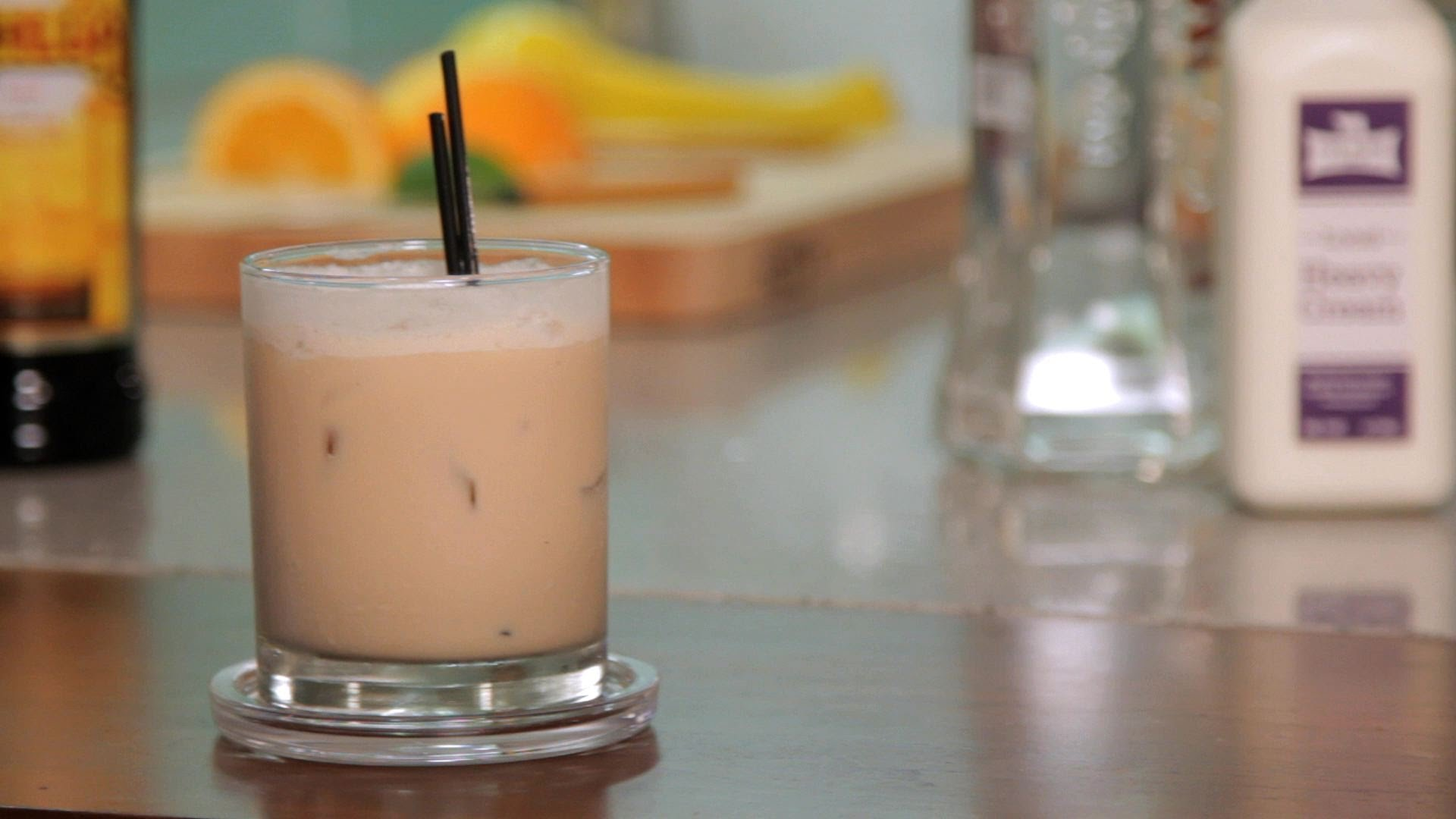 The-White-Russian-Smoothie-Cocktails Delicious Dinner Drinks